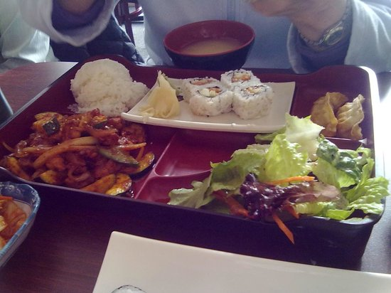 Sushi & Maki Restaurant:                   Spicy chicken with Spicy Tuna Bento