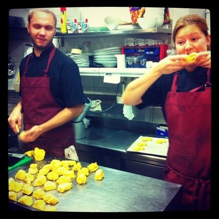 Pappa Sven: chefs making lussekatter