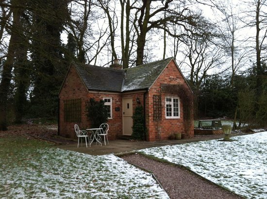 East Lodge:                   The cottage, consisting of one bedroom and bathroom