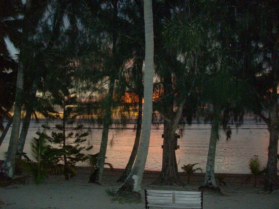 Sunhaven Beach Bungalows:                   Sunset