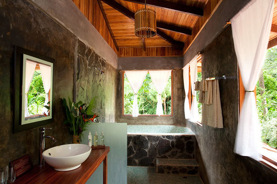 El Remanso Lodge: Bathroom Deluxe Suite