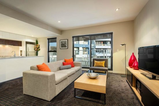 Quest Docklands: Two Bedroom Executive Apartment, Kitchen & Lounge Area
