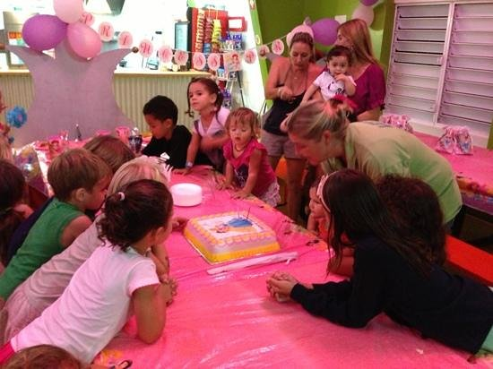 Kidsworld-SXM:                                     birthday party cake