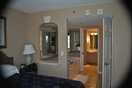 Hilton Grand Vacations on Paradise (Convention Center): Master bedroom