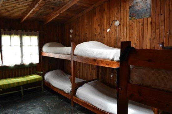 Alaska Hostel : 6 Bed mixed dorm near kitchen, bathroom ensuite