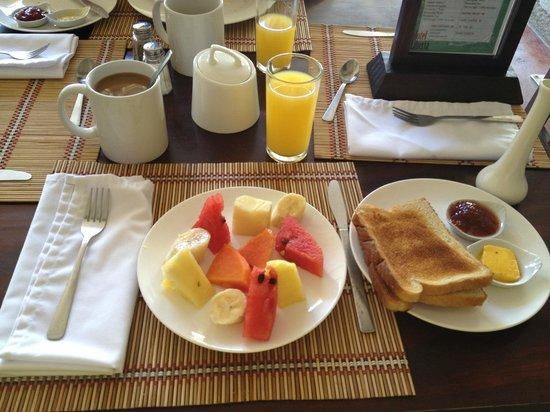 Hotel Liberia: Breakfast