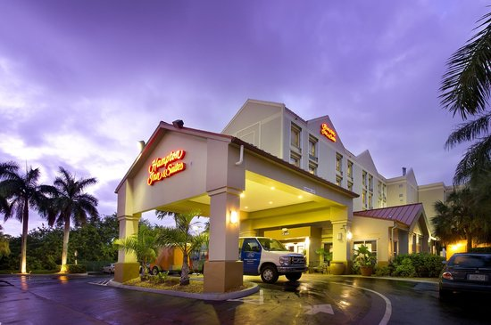 Hampton Inn & Suites Ft. Lauderdale Airport/South Cruise Port: Hampton Inn and Suites Ft. Lauderdale Airport/Hollywood