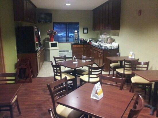 Sleep Inn and Suites:                   the breakfast area
