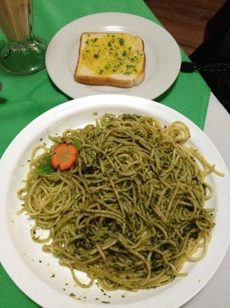 Maravilla : Spaghetti with pesto