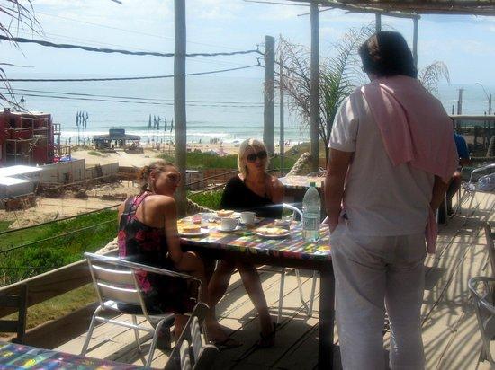 Aquarella Ristorante-Bar: La terraza de Aquarella, el lugar elegido por los turistas europeos.