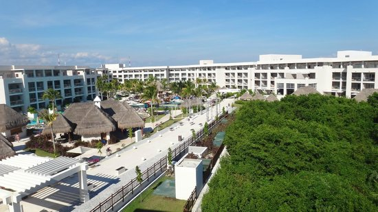 Paradisus Playa Del Carmen La Esmeralda: view from our room at the pool area