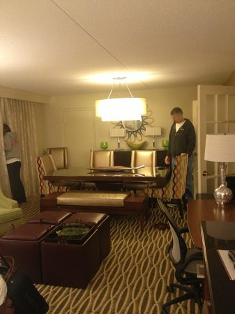 Charleston Marriott Town Center : Our suite was so large there was a dining /meeting area in the room