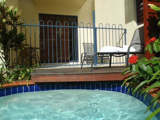 Meridian Port Douglas:                   adjoining pool with room