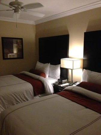 BEST WESTERN PREMIER Saratoga Resort Villas: 2nd bedroom, cozy and very clean!