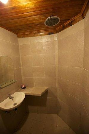NAD-Lembeh Resort: Standard Room Ensuite Bathroom
