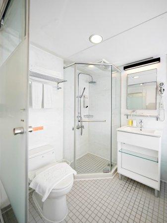 CityInn Hotel - Taipei Station Branch I: 浴室Bathroom