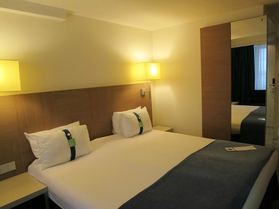 Holiday Inn St. Petersburg Moskovskiye Vorota: Good bed, nice linen and comfortable pillows