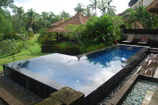 Pan Pacific Nirwana Bali Resort:                   Infinity Pool Villa 717