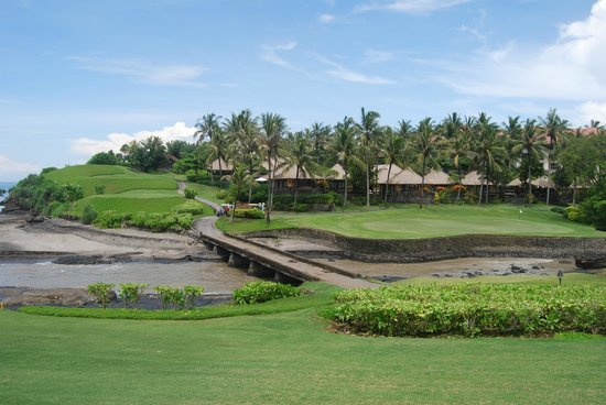 Pan Pacific Nirwana Bali Resort :                   Looking back at the villas from the 13th fairway