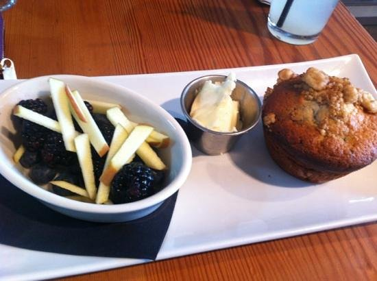 The Curious Palate: Blueberry Muffin Breaky