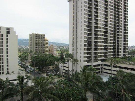 Hilton Waikiki Beach: ラナイから