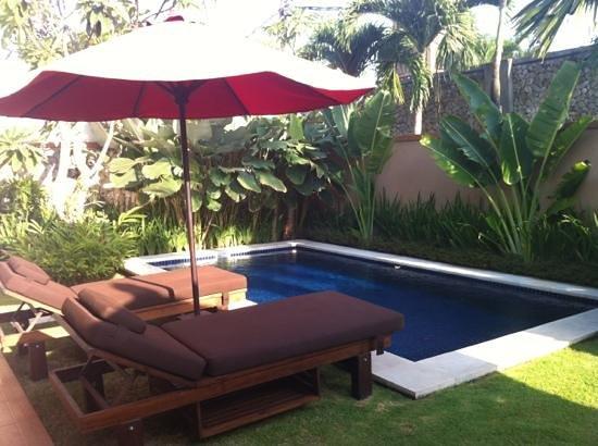 Bali Yubi Villa: pool