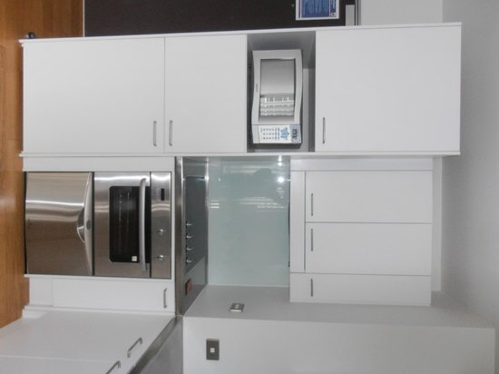 Auckland Harbour Oaks: The well equipped kitchen