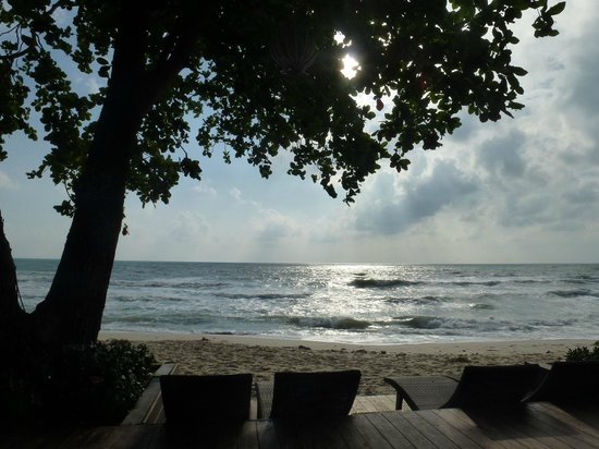 Buri Rasa Village Samui:                   Beautiful outlook to Chaweng beach
