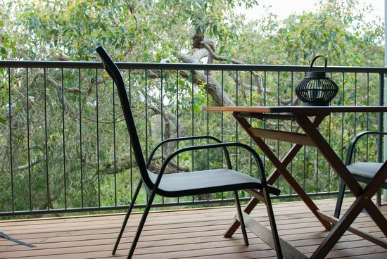 HideAway Haven: Beautiful deck furniture