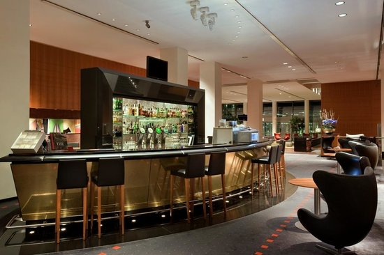 Clarion Hotel Copenhagen Airport : Axis Bar & Lounge