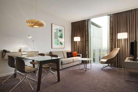 Clarion Hotel Copenhagen Airport: Executive Suite - Livingroom