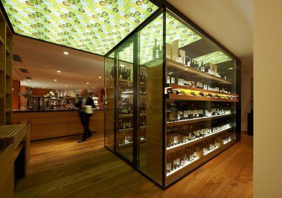 Style & Spa Resort Lindenhof : Weinkubus über 600 Weine