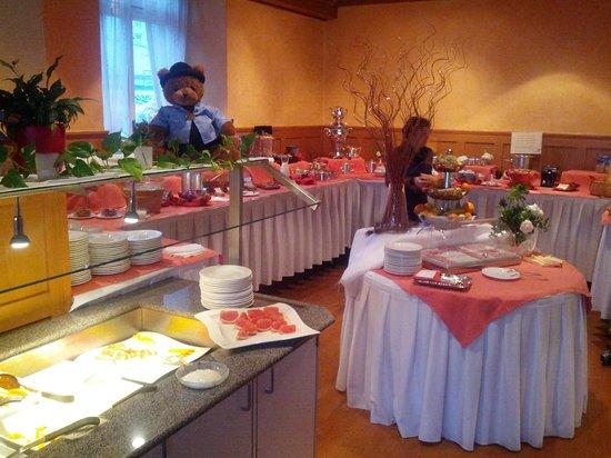 Swiss Dreams Hotel Walzenhausen: Buffet du petit-déjeuner