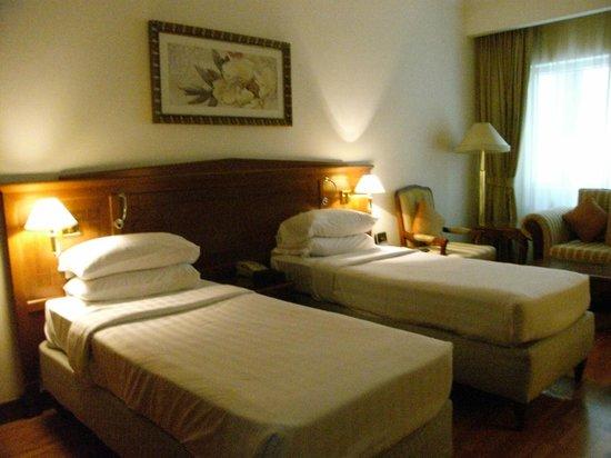 Grand Excelsior Hotel Bur Dubai: ツインのベッドルーム一例