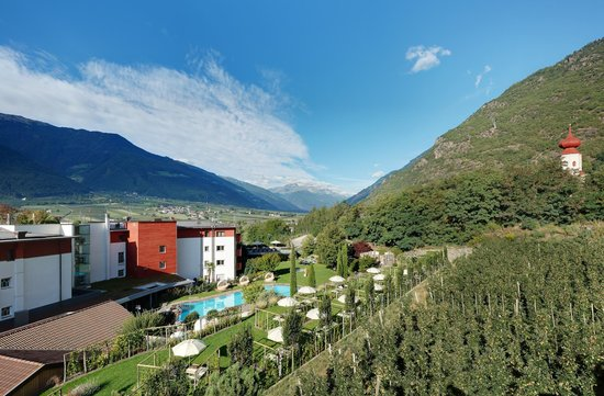 Style & Spa Resort Lindenhof : mit Blick in den Vinschgau