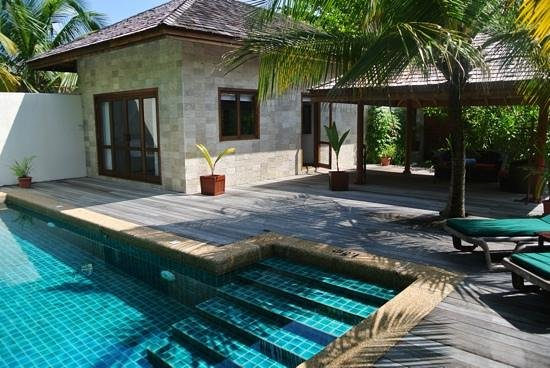 Koomandoo sister island picture of kuredu island resort - Wirral hotels with swimming pools ...