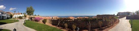 Ecotel Dahab Bay View Resort:                   панорама на уровне пешеходной зоны