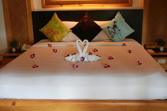 Somkiet Buri Resort: honeymoon decoration