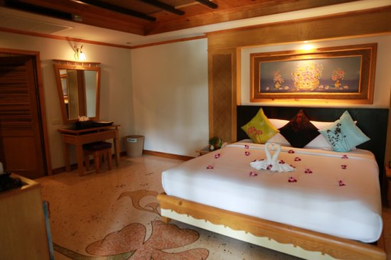 Somkiet Buri Resort: spacious room