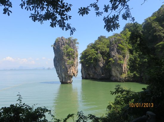 lonely rock - Picture of James Bond Island, Ao Phang Nga National Park - Trip...