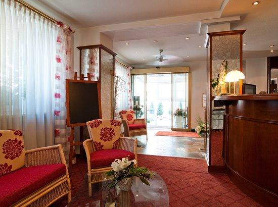 Hotel am Heideloffplatz: Empfang