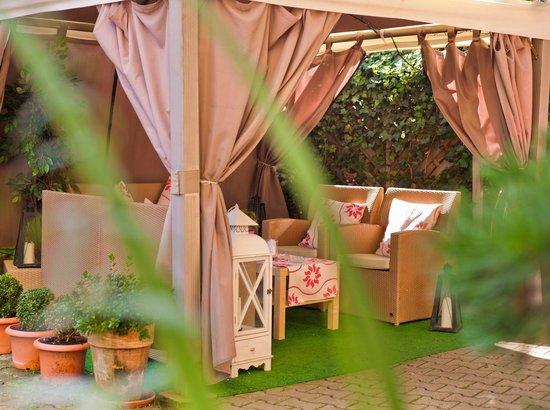 Hotel am Heideloffplatz: Garten / Raucherecke