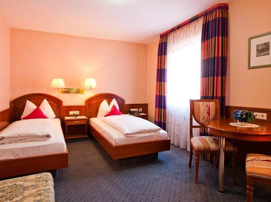 Hotel am Heideloffplatz: Twin /Doppelzimmer