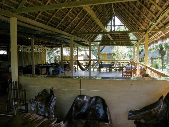 Yarina Eco Lodge: Salle à manger
