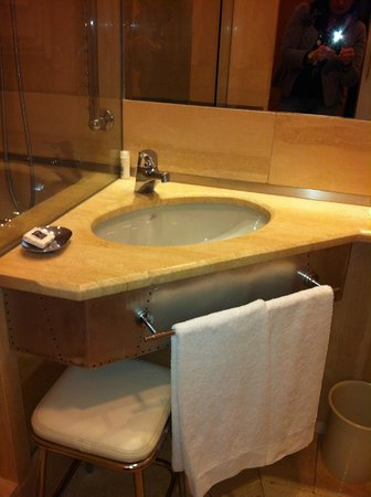 Isa Hotel: bagno