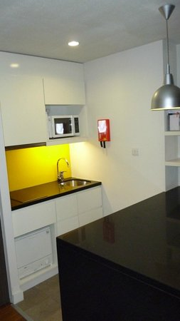 Citadines Trafalgar Square London: Kitchenette
