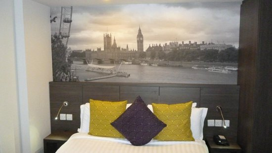 Citadines Trafalgar Square London: Bed
