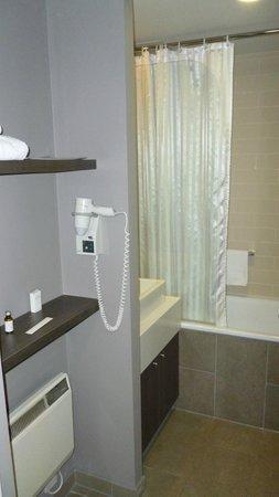 Citadines Trafalgar Square London : Bathroom