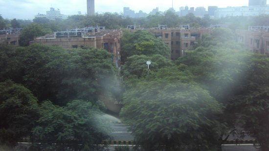 The Metropolitan Hotel & Spa New Delhi: View from the room