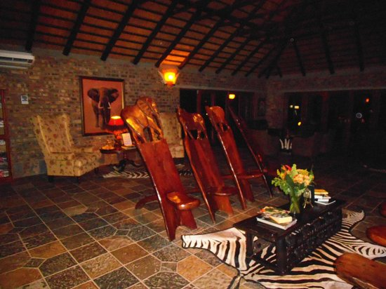 Elandela Private Game Reserve: relax and readig room - particular